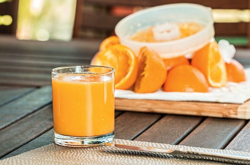 Faire un jus d'orange pressé